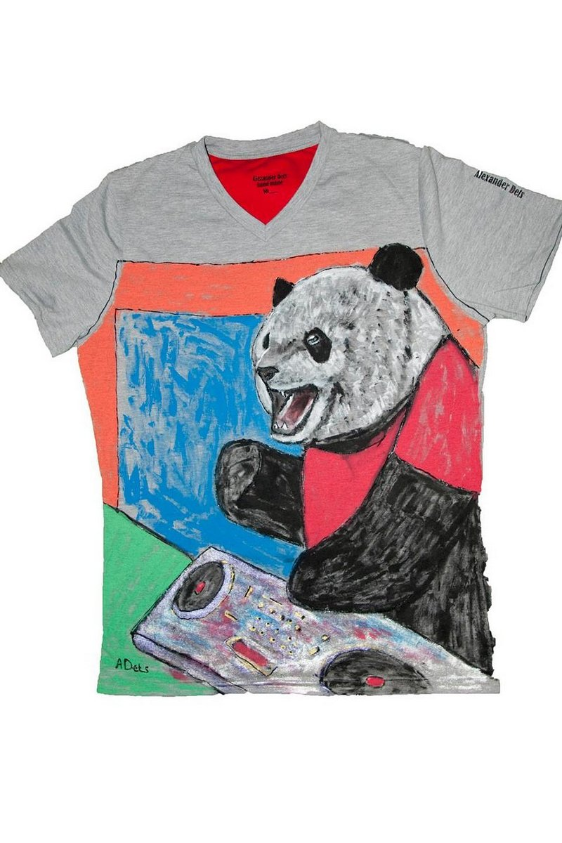 Buy Women Gray Cotton Print tee shirt , Short sleeve Panda tshirt, Unique stylish t shirt