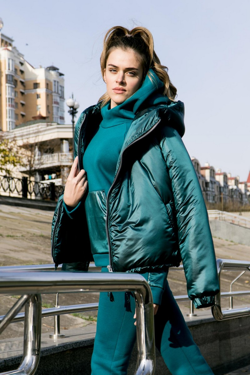 Buy Green light comfortable women downcoat, warm winte short coat