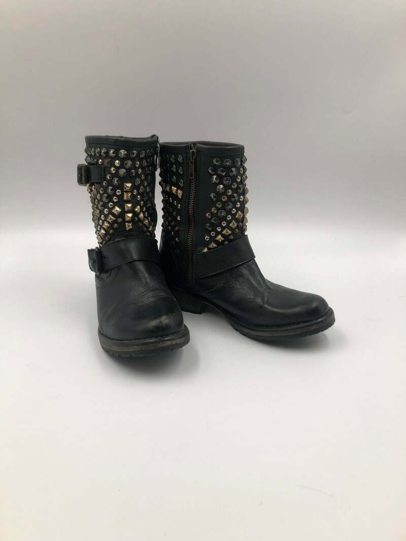 Buy Black women's boots, made from real leather, vintage boots, short boots with rivets streetstyle boots, zipped, black color, has size 6