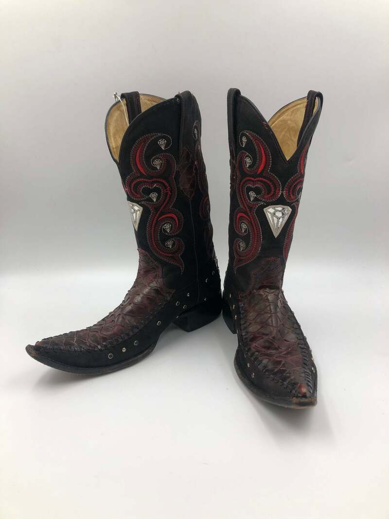 Buy Black boots, men's boots, real suede, vintage, embroidered, with unique pattern, western style, cowboy boots, black color, size 8 1/2.