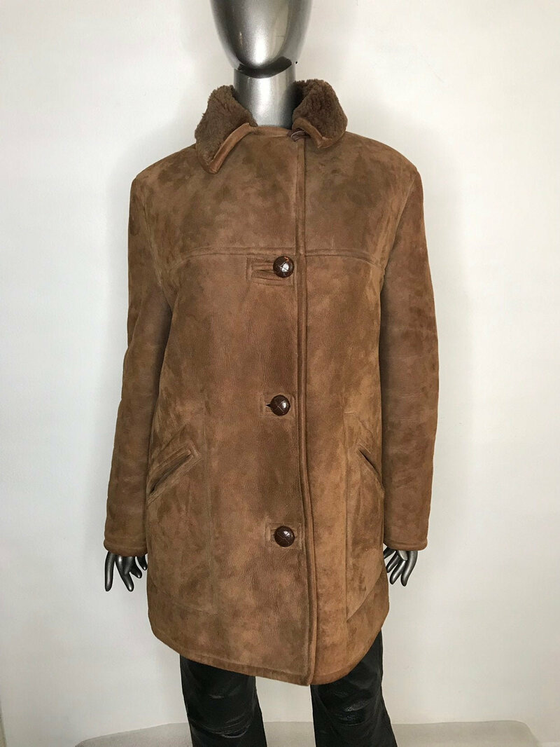 Buy Vintage Short Sheepskin Coat Womens Classic style very warm brown color small collar and pockets womens size large.